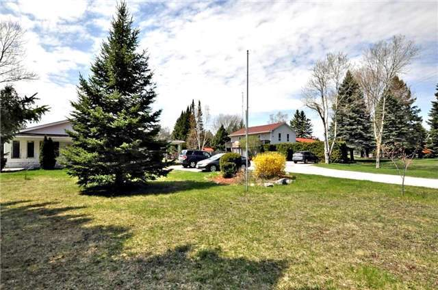 Detached at 22080 Highway 48, East Gwillimbury, Ontario. Image 11