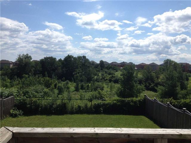 Detached at 69 Townwood Dr, Richmond Hill, Ontario. Image 4