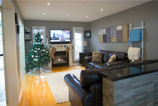 Detached at 223 Montebello Ave, Vaughan, Ontario. Image 11
