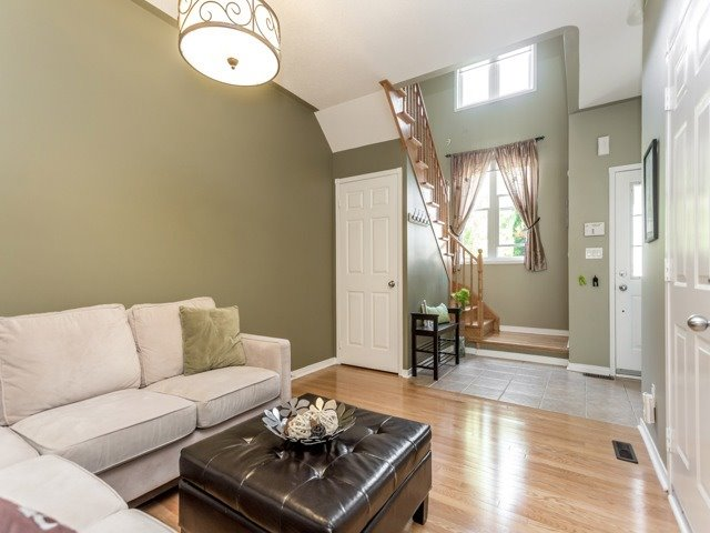 Townhouse at 21 Brumstead Dr, Richmond Hill, Ontario. Image 13