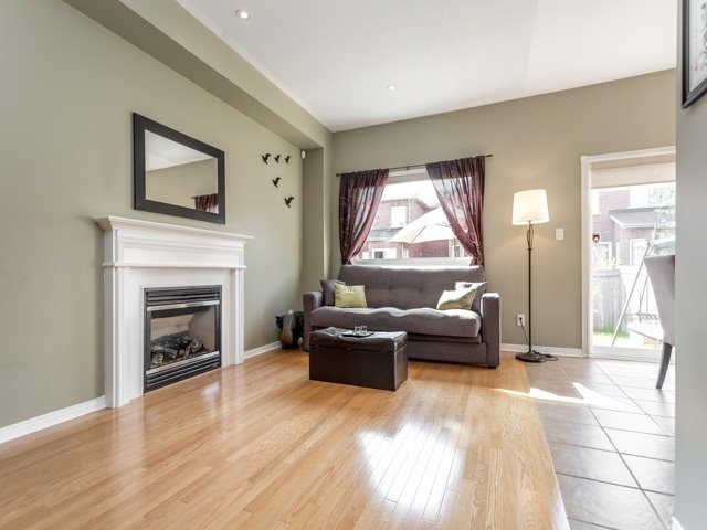 Townhouse at 21 Brumstead Dr, Richmond Hill, Ontario. Image 14