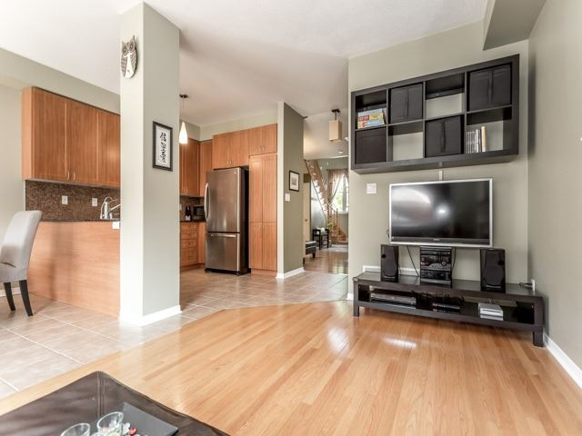 Townhouse at 21 Brumstead Dr, Richmond Hill, Ontario. Image 15