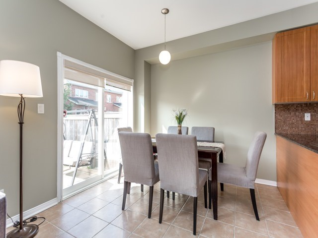 Townhouse at 21 Brumstead Dr, Richmond Hill, Ontario. Image 17