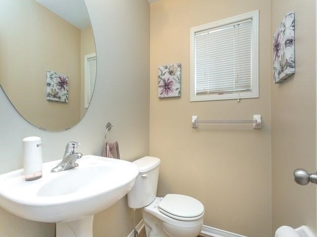 Townhouse at 21 Brumstead Dr, Richmond Hill, Ontario. Image 18