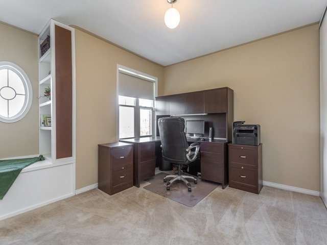 Townhouse at 21 Brumstead Dr, Richmond Hill, Ontario. Image 5