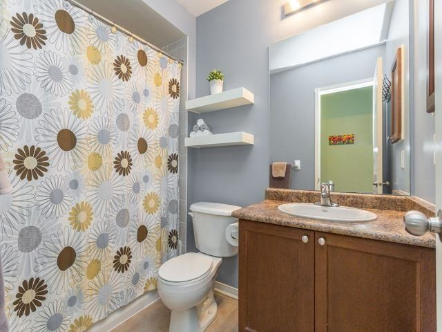 Townhouse at 21 Brumstead Dr, Richmond Hill, Ontario. Image 7