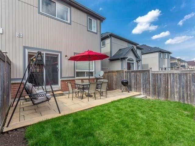 Townhouse at 21 Brumstead Dr, Richmond Hill, Ontario. Image 10