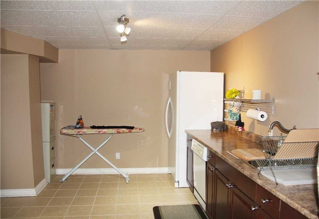 Detached at 47 Dolores Cres, Vaughan, Ontario. Image 6