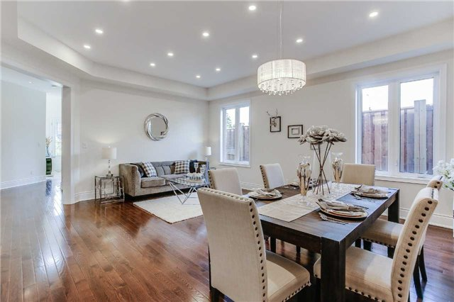 Detached at 78 Marbrook St, Richmond Hill, Ontario. Image 16