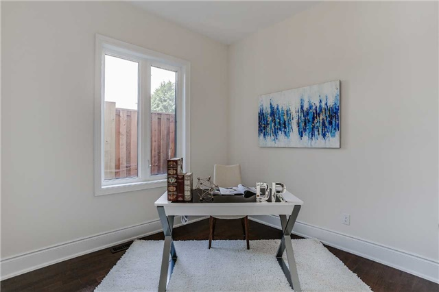 Detached at 78 Marbrook St, Richmond Hill, Ontario. Image 3