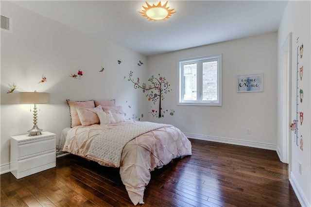 Detached at 78 Marbrook St, Richmond Hill, Ontario. Image 9