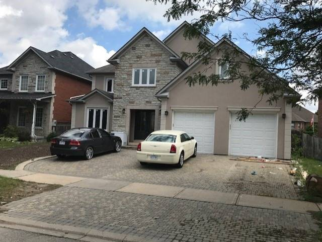 Detached at 9 Forest Hill Dr, Richmond Hill, Ontario. Image 1