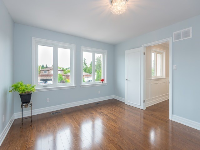 Detached at 117 Birch Ave, Richmond Hill, Ontario. Image 4