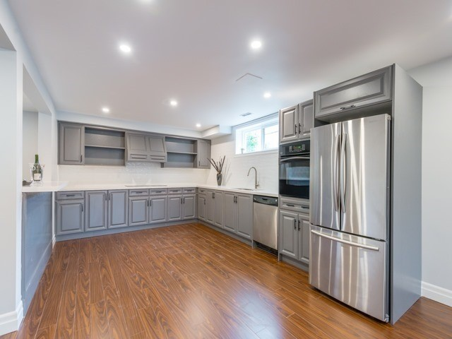 Detached at 117 Birch Ave, Richmond Hill, Ontario. Image 6