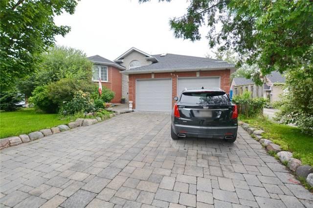 Detached at 312 Dixon Blvd, Newmarket, Ontario. Image 1
