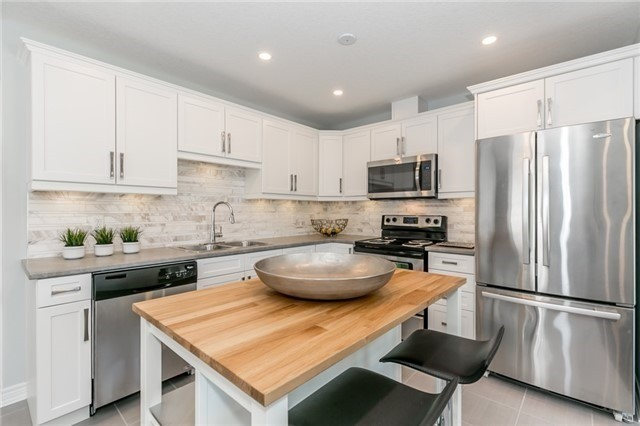 Townhouse at 179 Hutchinson Dr, New Tecumseth, Ontario. Image 14