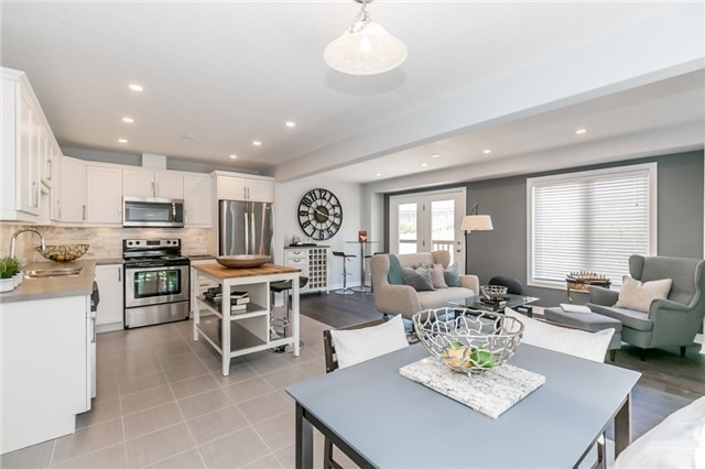 Townhouse at 179 Hutchinson Dr, New Tecumseth, Ontario. Image 17