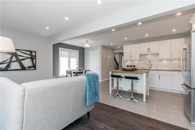 Townhouse at 179 Hutchinson Dr, New Tecumseth, Ontario. Image 2