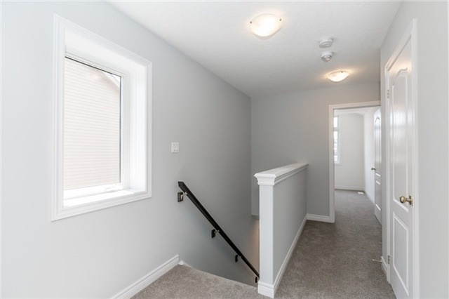 Townhouse at 179 Hutchinson Dr, New Tecumseth, Ontario. Image 4