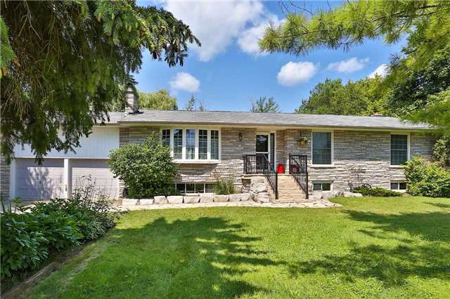 Detached at 1422 Gilford Rd, Innisfil, Ontario. Image 1