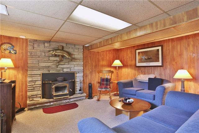 Detached at 1422 Gilford Rd, Innisfil, Ontario. Image 8