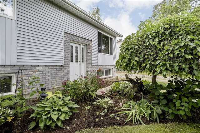 Detached at 2652 Lawrence Ave, Innisfil, Ontario. Image 8