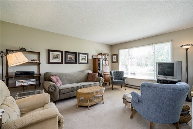 Detached at 2652 Lawrence Ave, Innisfil, Ontario. Image 11