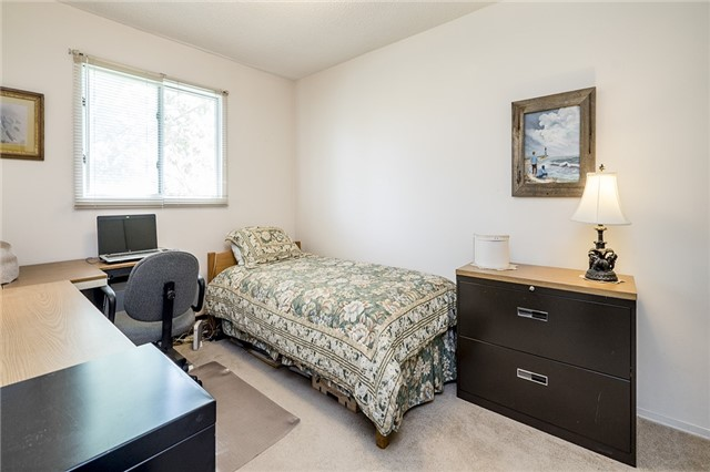 Detached at 2652 Lawrence Ave, Innisfil, Ontario. Image 14