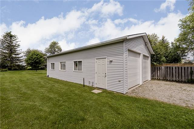 Detached at 2652 Lawrence Ave, Innisfil, Ontario. Image 5