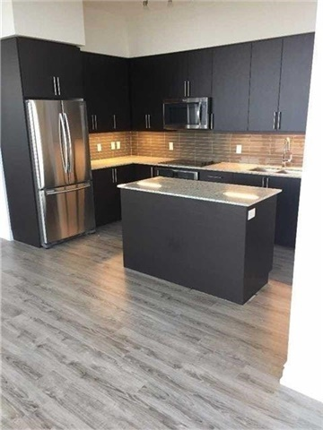 Condo Apartment at 9600 Yonge St, Unit Ph1, Richmond Hill, Ontario. Image 4