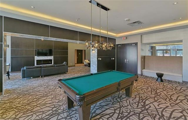 Condo Apartment at 9600 Yonge St, Unit Ph1, Richmond Hill, Ontario. Image 11