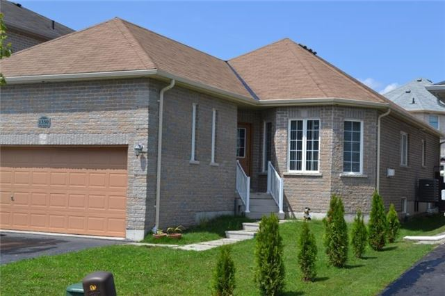 Detached at 1350 Corm St, Innisfil, Ontario. Image 1