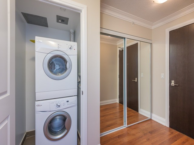 Condo Apartment at 372 Highway 7 E, Unit 312, Richmond Hill, Ontario. Image 14