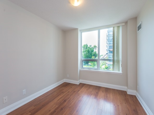 Condo Apartment at 372 Highway 7 E, Unit 312, Richmond Hill, Ontario. Image 2