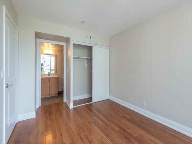 Condo Apartment at 372 Highway 7 E, Unit 312, Richmond Hill, Ontario. Image 3