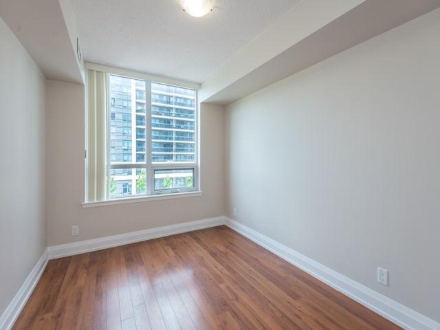 Condo Apartment at 372 Highway 7 E, Unit 312, Richmond Hill, Ontario. Image 5