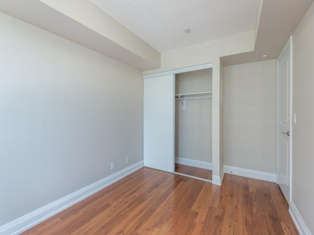 Condo Apartment at 372 Highway 7 E, Unit 312, Richmond Hill, Ontario. Image 6
