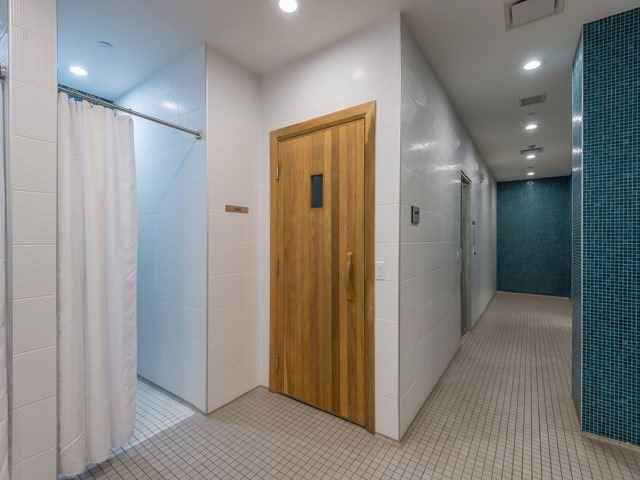 Condo Apartment at 372 Highway 7 E, Unit 312, Richmond Hill, Ontario. Image 8