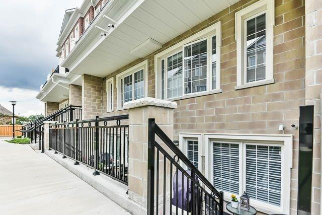 Condo Townhouse at 26 Bruce St, Unit A-18, Vaughan, Ontario. Image 15