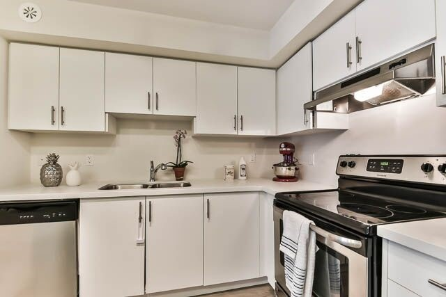 Condo Townhouse at 26 Bruce St, Unit A-18, Vaughan, Ontario. Image 7