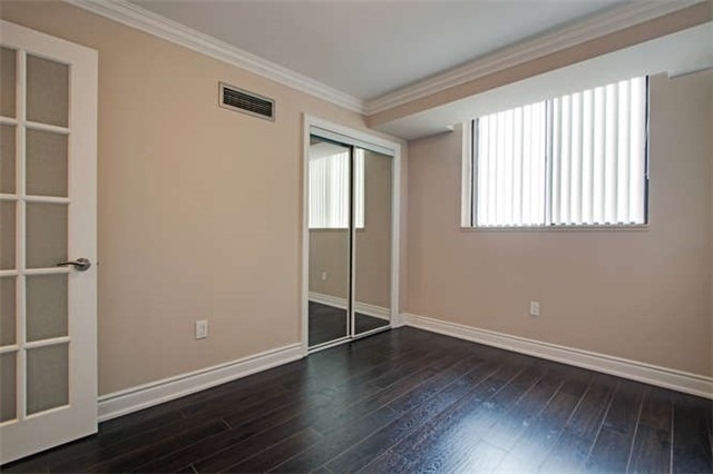 Condo Apartment at 7601 Bathurst St, Unit 617, Vaughan, Ontario. Image 19