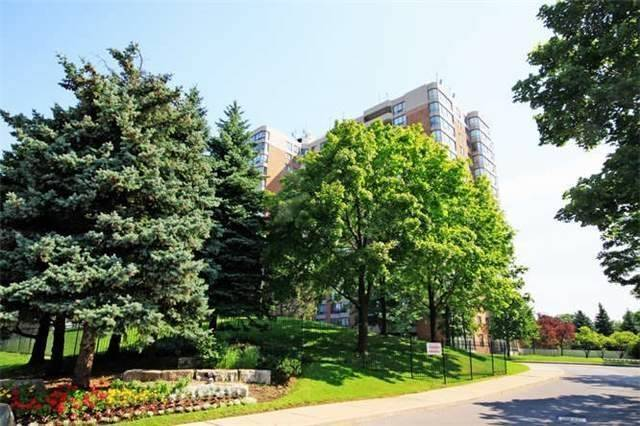 Condo Apartment at 7601 Bathurst St, Unit 617, Vaughan, Ontario. Image 6