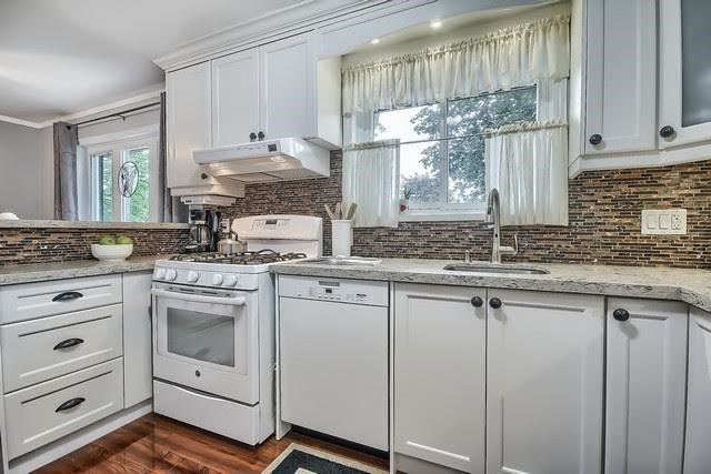 Detached at 170 Hawthorn Ave, Whitchurch-Stouffville, Ontario. Image 19