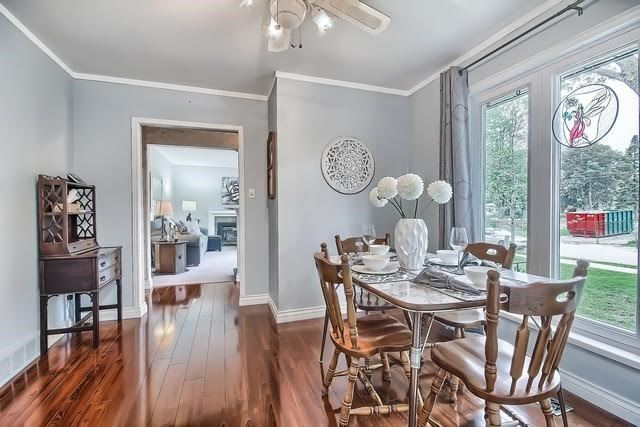 Detached at 170 Hawthorn Ave, Whitchurch-Stouffville, Ontario. Image 2