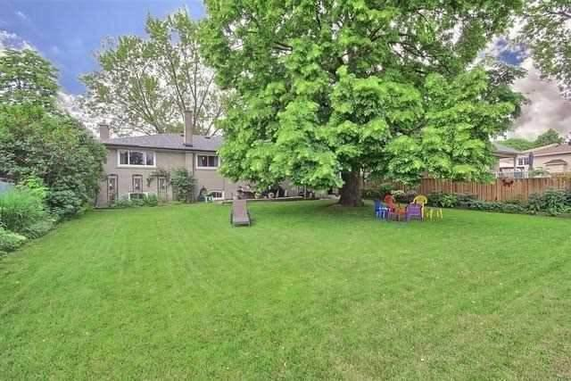 Detached at 170 Hawthorn Ave, Whitchurch-Stouffville, Ontario. Image 11