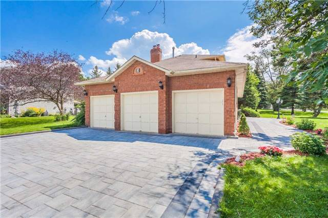 Detached at 3 Arthur Hall Dr, East Gwillimbury, Ontario. Image 12