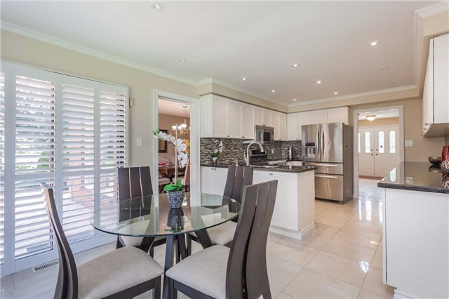Detached at 3 Arthur Hall Dr, East Gwillimbury, Ontario. Image 18