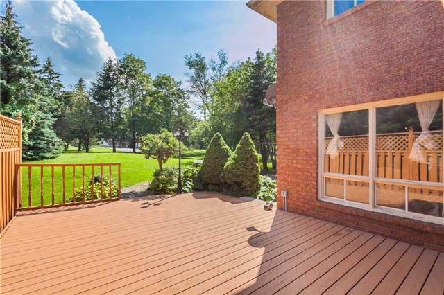 Detached at 3 Arthur Hall Dr, East Gwillimbury, Ontario. Image 10