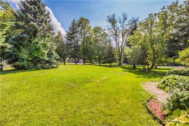 Detached at 3 Arthur Hall Dr, East Gwillimbury, Ontario. Image 13