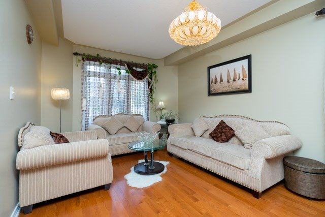 Detached at 11 Innisvale Dr, Markham, Ontario. Image 14